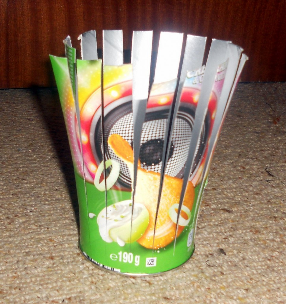 Pringles Tube cut into strips
