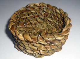 Basket made from Carpet Thread and Rush Rope