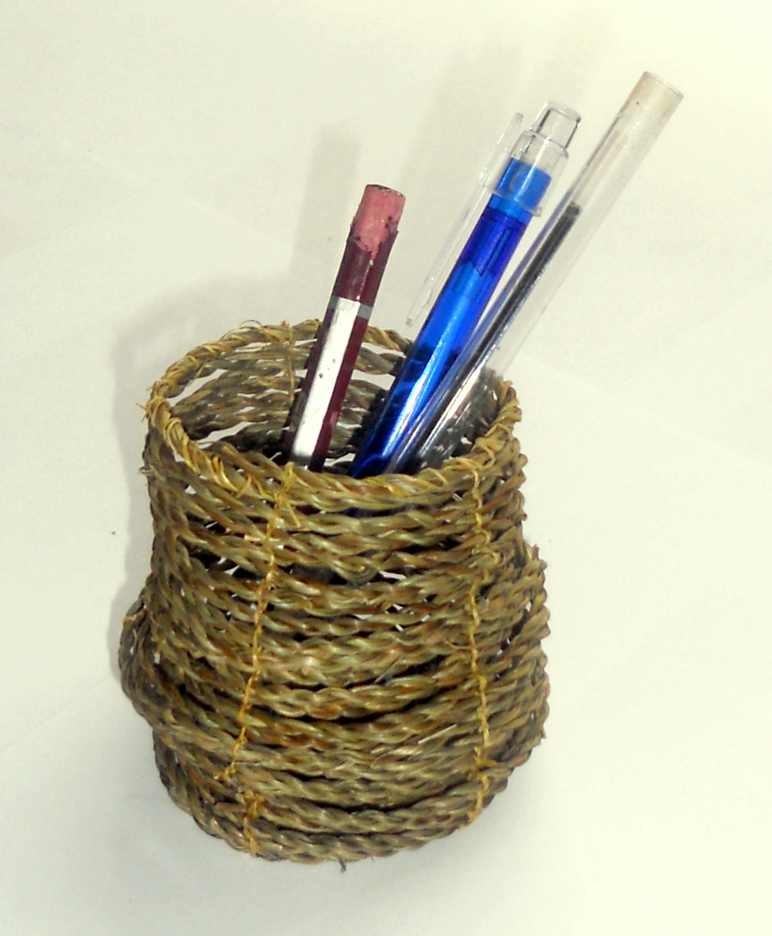 Grass Basket Pen Holder